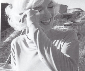 Marilyn Monroe, black and white, and photo image