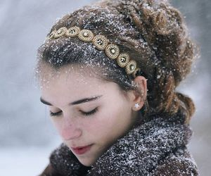 chic, snow, and fashion image