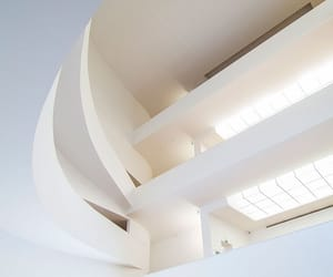 architecture, artista, and museo image