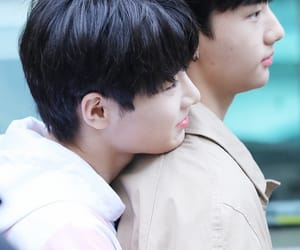 kpop, hyunjin, and jeongin image
