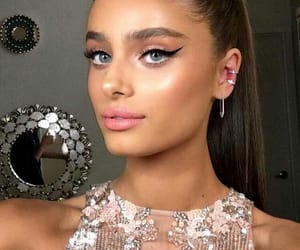 taylor hill, model, and makeup image