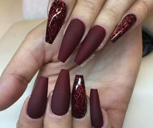 nails, burgundy, and pretty image