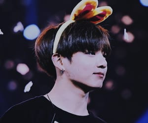background, concert, and kpop image
