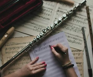 Immagine di flute, music, and notes