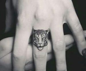 b&w, blanco y negro, and tattoo image