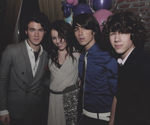 miley cyrus and jonas brothers image