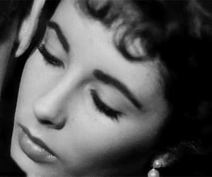 a place in the sun, gif, and elizabeth ttaylor image