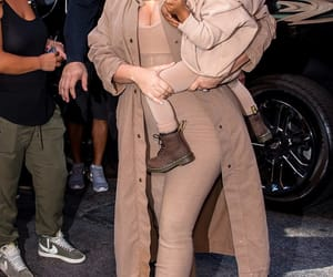 fashion, kkw, and kim kardashian image