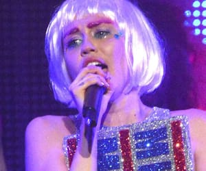miley, miley cyrus, and miley cyrus her dead petz image