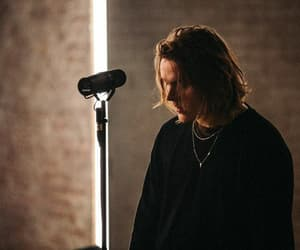 music and lewis capaldi image
