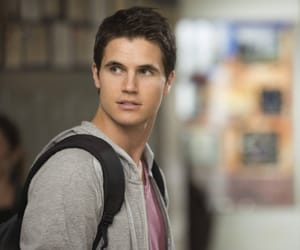 celebrities, sexy, and robbie amell image