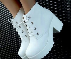 beauty, white, and zapatos image