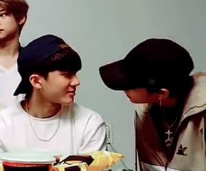 gif, hyunjin, and hwang hyunjin image