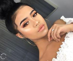 brunette girl, makeup goals, and site models image