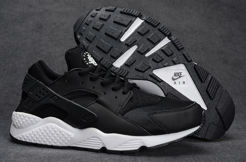 pretty nice 0d643 de099 Nike Air Huarache Womens Mens Oreo Black White