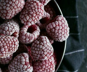 raspberry, wallpaper, and food image