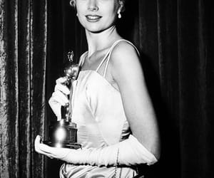 grace kelly and oscar image