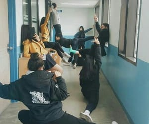 squad and ulzzang image