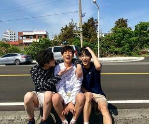 fashion, ulzzang, and friends image