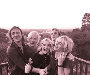 r5, family, and siblings image