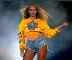 beyoncé and beychella image