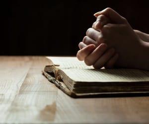 prayer, praying, and oracion image