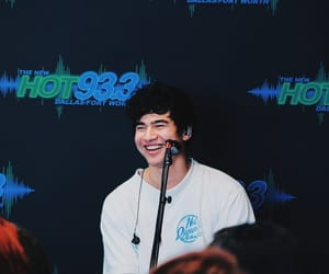 hood, calum, and 5 seconds of summer image