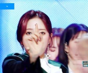 gif, bona, and kim jiyeon image