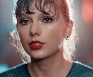beauty, delicate, and Taylor Swift image