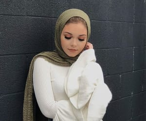 beauty, makeup, and modesty image