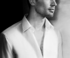 Hot, divergent, and theo james image