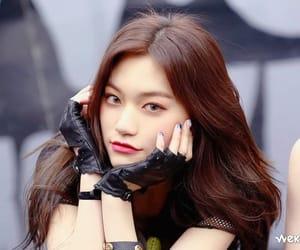 kpop, doyeon, and k-pop image