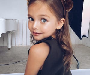 girl, child, and fashionable image