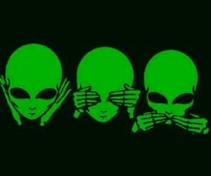 alien, verde, and extraterrestre image