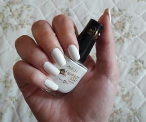 nails, astor, and longnails image