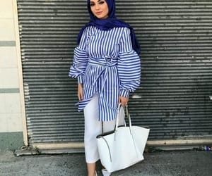 hijab, summer, and hijabista image
