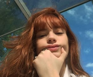 bangs, ruiva, and sky image