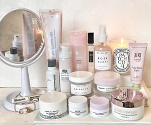 beauty, skincare, and vanity imageの画像