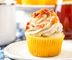 cupcakes, food, and desserts image