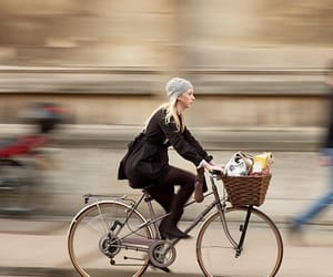 electric bicycles image