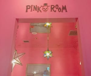pink room image