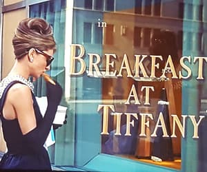 Breakfast at Tiffany's, audrey hepburn, and movie image