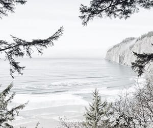 sea and white image