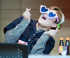 hearts, sunglasses, and jooheon image