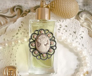 baroque, baubles, and dreamy image