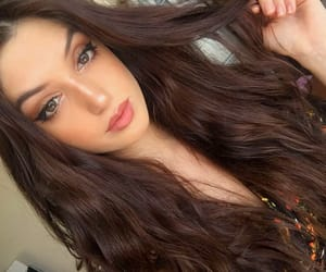 Beautiful Girls, beauty, and brown hair image