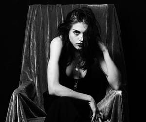 frances bean cobain and black and white image