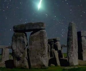 Noche, historia, and estrella fugaz image