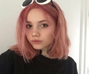 girl, pink, and short hair image