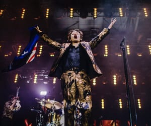 hq, Harry Styles, and solo image